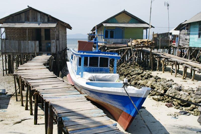 Le village du pêcheur dans Bandar Lampung, Indonésie photographie stock libre de droits