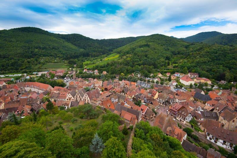 Le village pittoresque de Kaysersberg images libres de droits