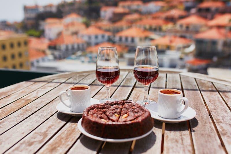 Le vin, le café et le hohey de la Madère durcissent, vue à Funchal, Portugal photographie stock