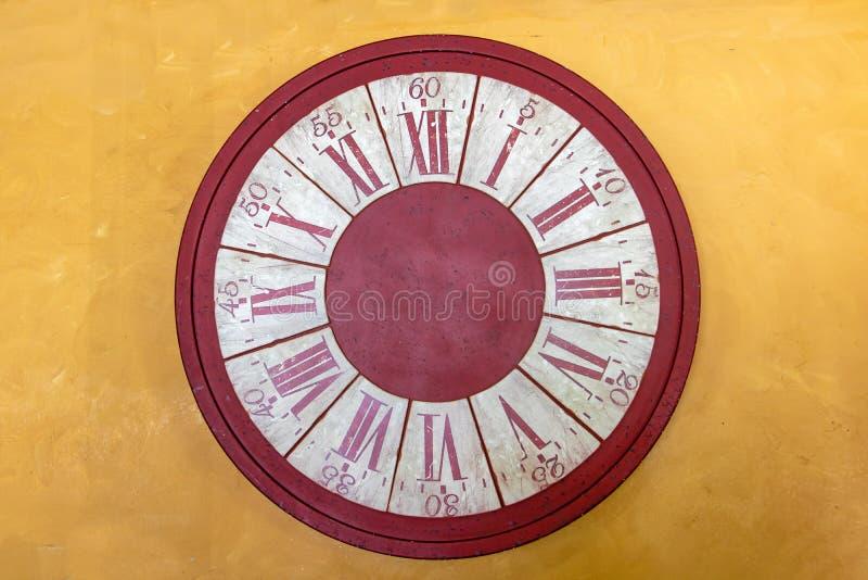 Le visage vide de l'horloge sans mains d'horloge image stock