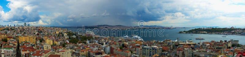 Le viste panoramiche di Horn dorato da Galata si elevano fotografie stock