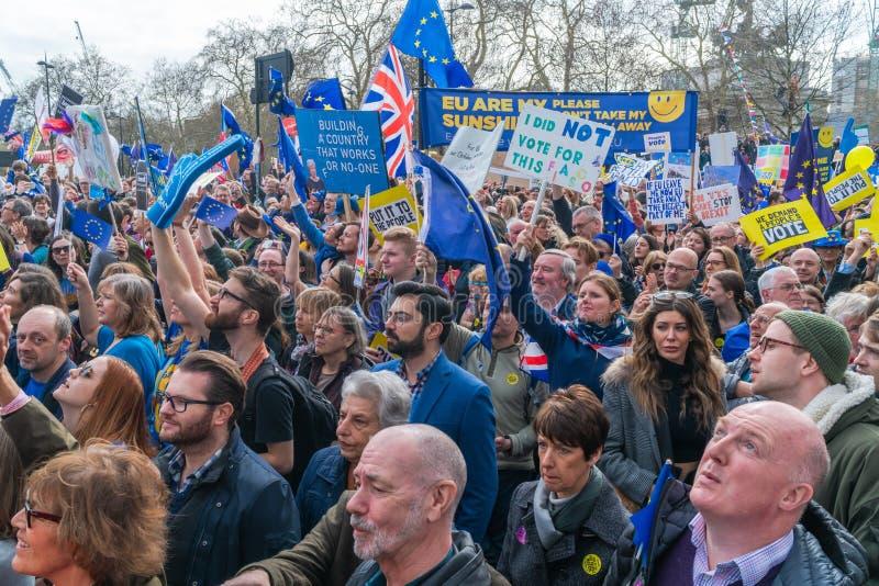 Le vote mars des personnes à Londres centrale, R-U photographie stock libre de droits