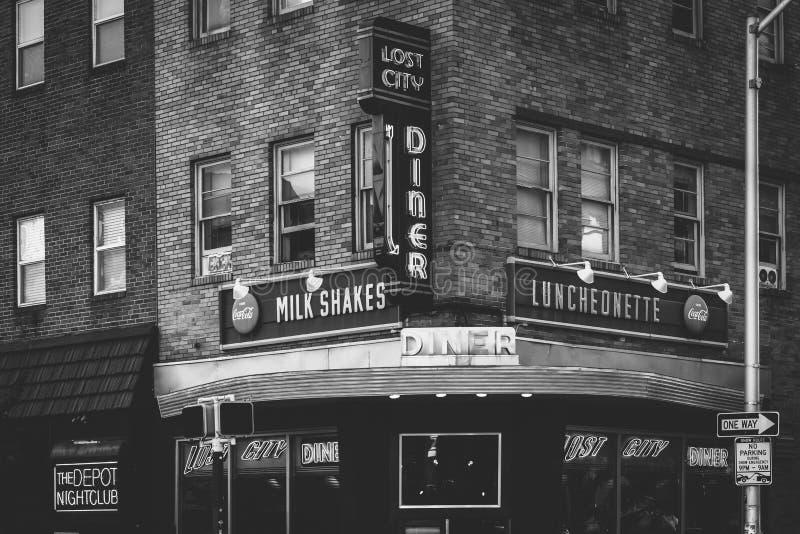 Le wagon-restaurant perdu de ville, dans le nord de station, Baltimore, le Maryland image stock