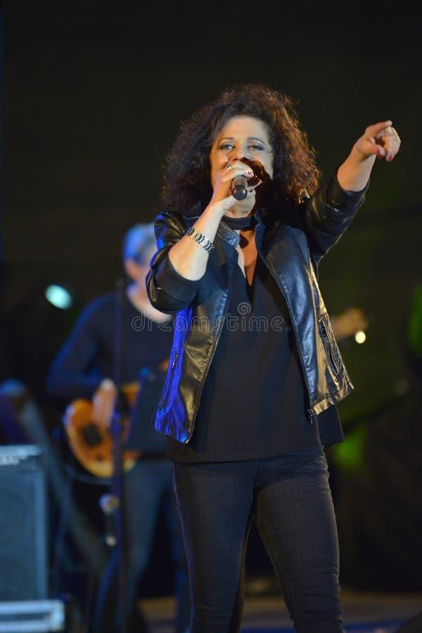 Le xérès est un chanteur israélien au Jour de la Déclaration d'Indépendance de l'Israël 70 images libres de droits