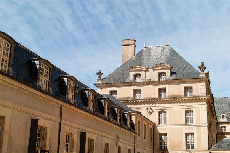 Le yard intérieur de la résidence nationale d'Invalids à Paris image stock