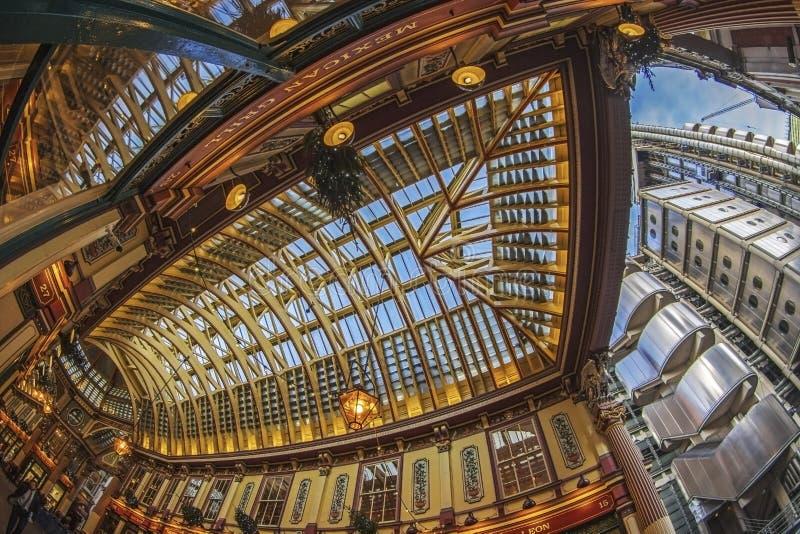 Leadenhall市场和劳埃德` s大厦,伦敦 库存图片