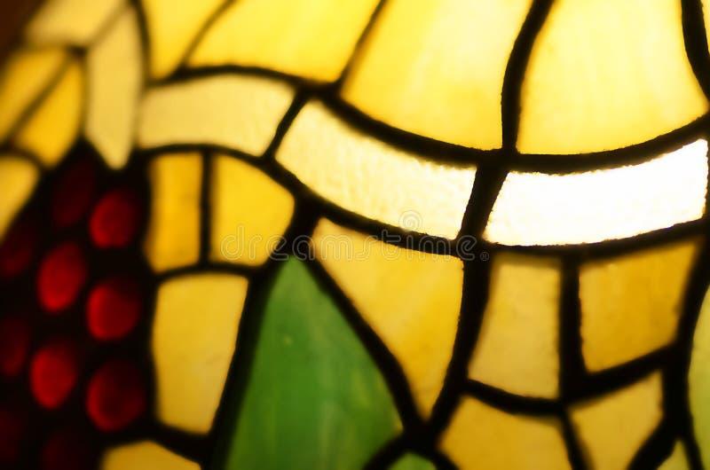 Leadlight souillé par fond brouillé par résumé en verre photos stock