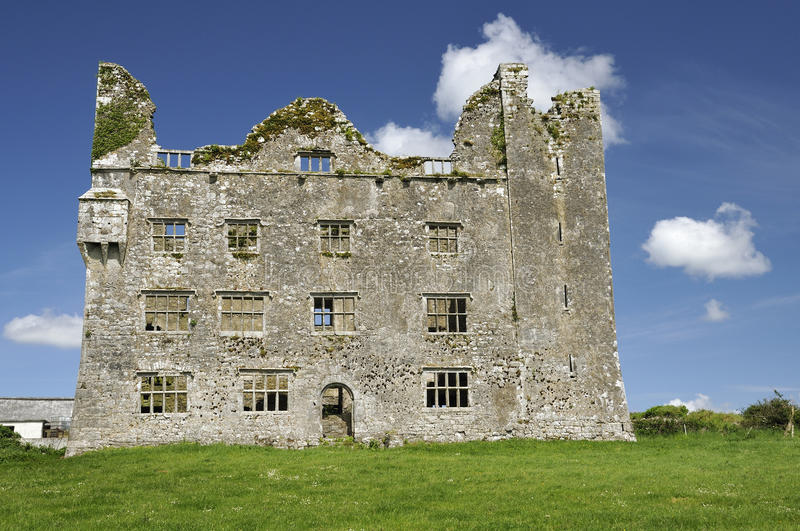 Download Leamaneh Castle stock image. Image of tall, kilfenora - 26040457