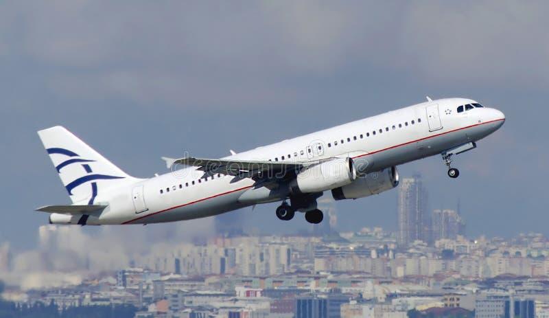 Learjet entfernen sich lizenzfreie stockbilder
