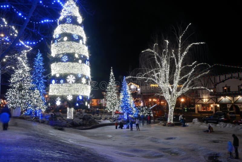 Leavenworth p? natten royaltyfria bilder