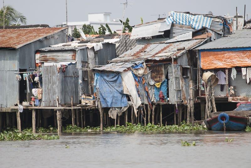 Leben in der Bretterbude von armen Leuten Vietnam lizenzfreies stockfoto