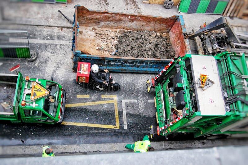 Leben in der Stadt-Straßenarbeiten stockbilder
