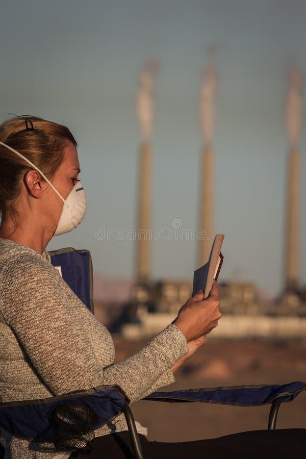 Leben mit Verschmutzung lizenzfreies stockbild
