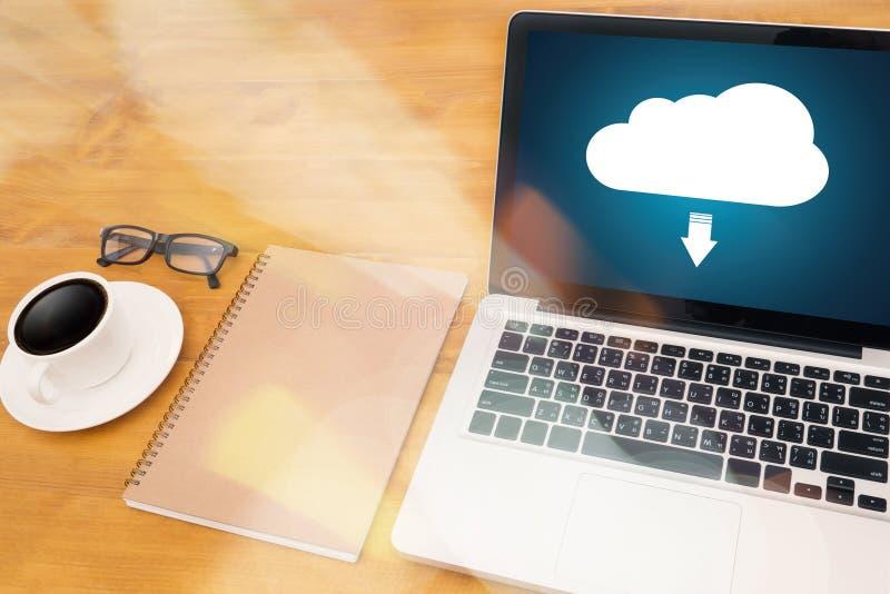 LEBEN Sie, das Ersatzdownload STRÖMEND, das Digital-Daten transfe berechnet lizenzfreies stockbild