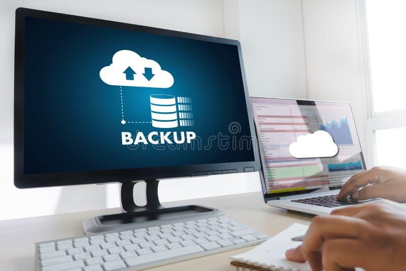 LEBEN Sie, das Ersatzdownload STRÖMEND, das Digital-Daten transferri berechnet stockbilder