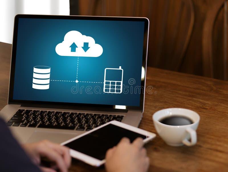 LEBEN Sie, Ersatzdownloadkopien von den Daten STRÖMEND, die Digital berechnen lizenzfreie stockbilder