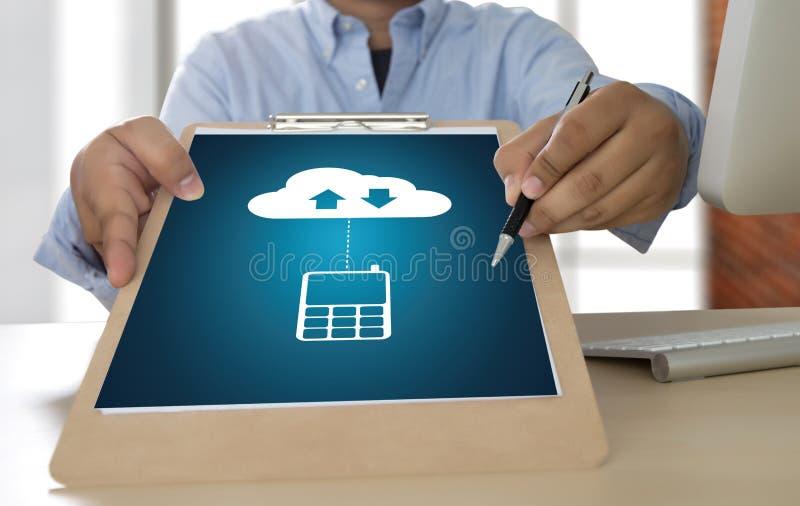 LEBEN Sie, Ersatzdownloadkopien von den Daten STRÖMEND, die Digital berechnen stockfotos