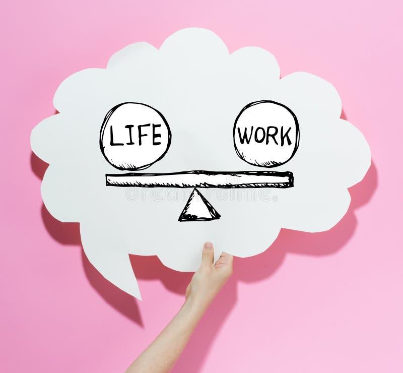 Leben- und Arbeitsbalance mit einer Spracheblase lizenzfreie stockfotografie