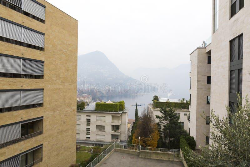 Lebenquarts und der Lugano See stockbild