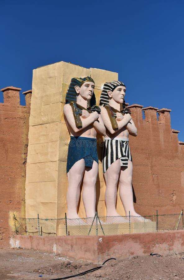 Lebensgroße Zahlen der ägyptischen Pharaos lizenzfreies stockbild