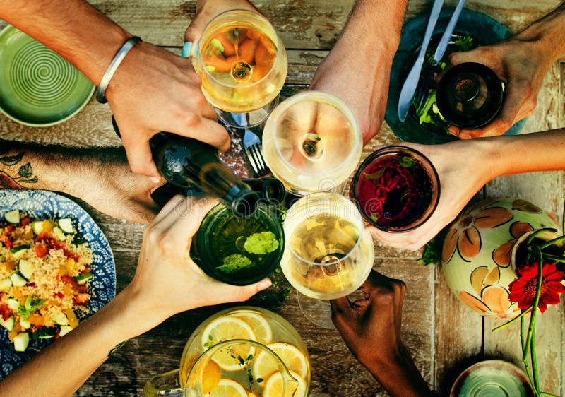 Lebensmittel-Getränkepartei-Mahlzeit-Getränk-Konzept lizenzfreies stockfoto