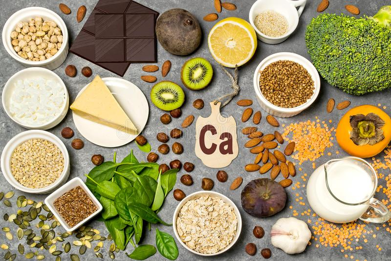 Lebensmittel ist Quelle des Kalziums lizenzfreie stockfotos