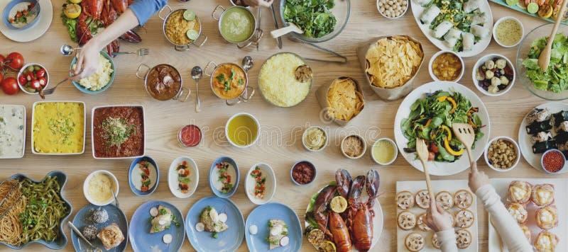 Lebensmittel-Wahl, die Essenereignis-festliches Buffet-Konzept speist lizenzfreie stockfotografie