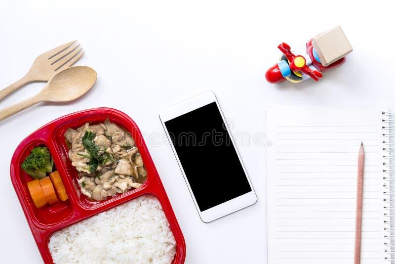 Lebensmittel-Zustelldienst: Kurierdienstkonzept für Geschäft foo stockfotografie