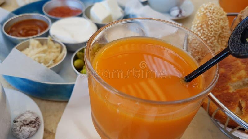 Lebensmittelfruchtbrot-Kaffee Morgen köstlichen Israel-Frühstücks gesunder lizenzfreies stockfoto