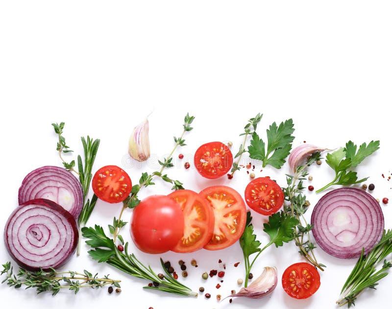Lebensmittelhintergrund, -kräuter und -gewürze lizenzfreie stockfotos