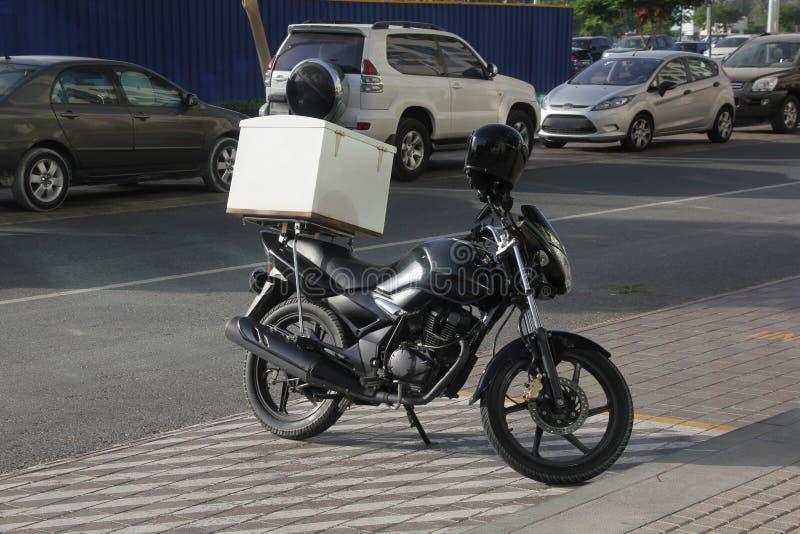 Lebensmittellieferungsfahrrad stockfoto
