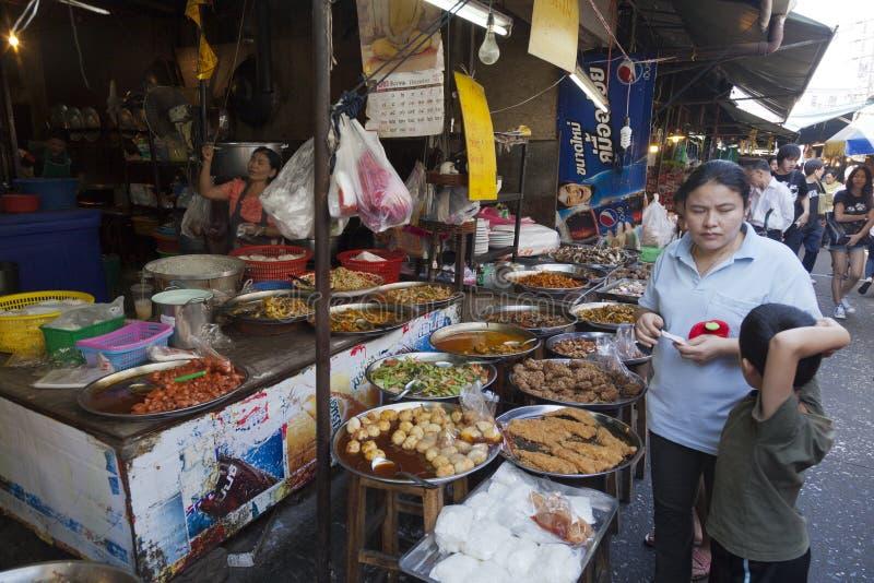 Lebensmittelmärkte in Bangkok stockfotografie