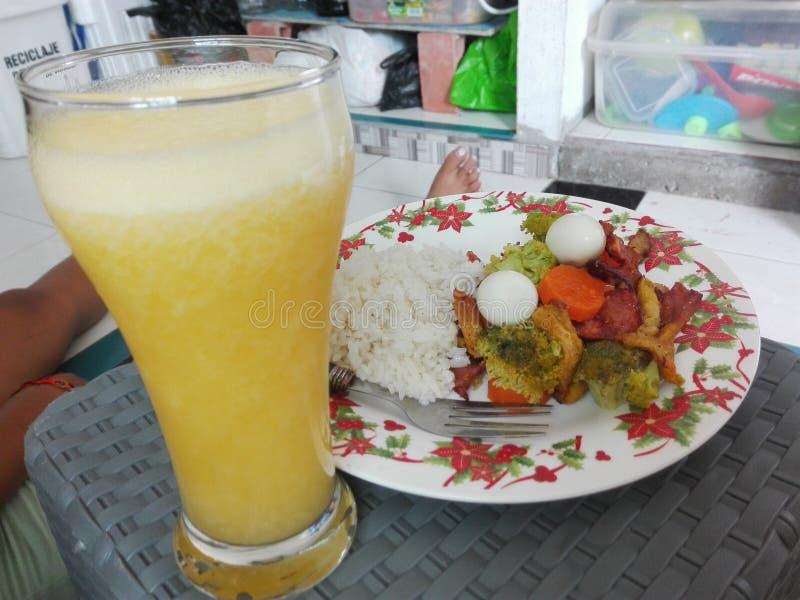 Lebensmittelvitalitätsfrühstücksgesundheits-Saftorange lizenzfreies stockbild