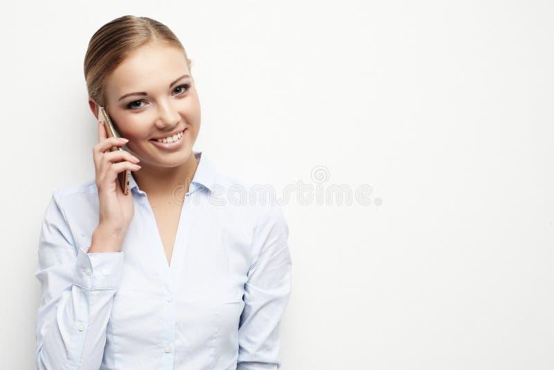 Lebensstil, Geschäft und Leutekonzept: Porträt des lächelnden Busses stockfoto