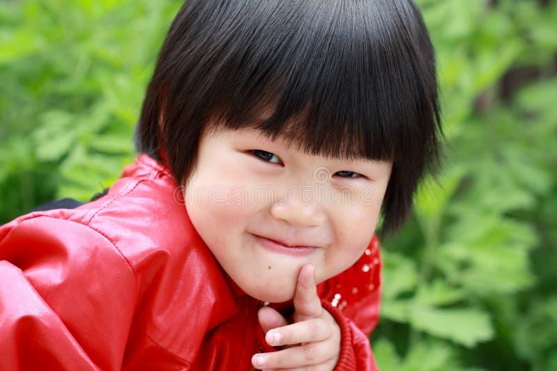 Lebhaftes kleines Mädchen lizenzfreie stockfotos