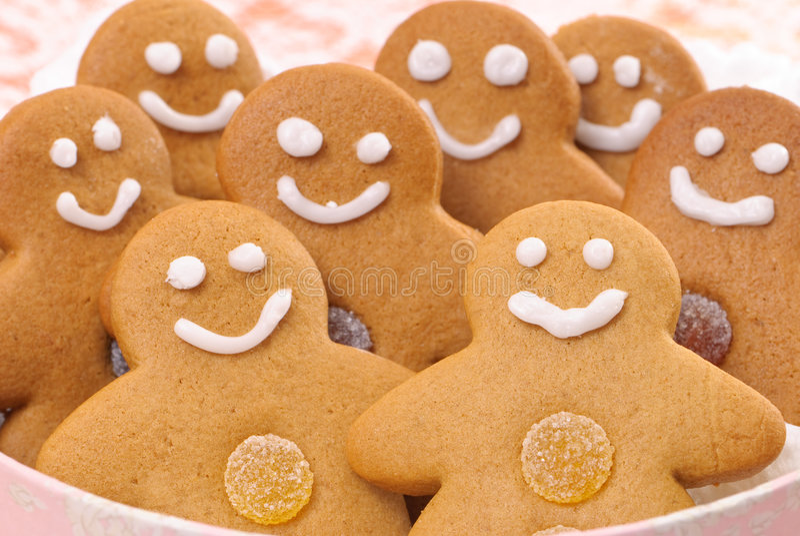 Lebkuchen-Männer lizenzfreie stockbilder