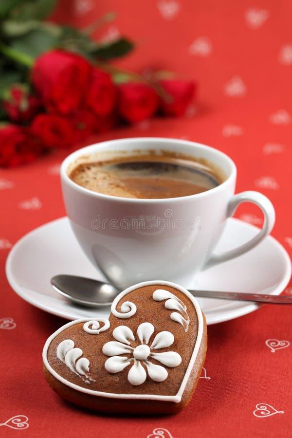 Lebkucheninneres und -kaffee stockfoto