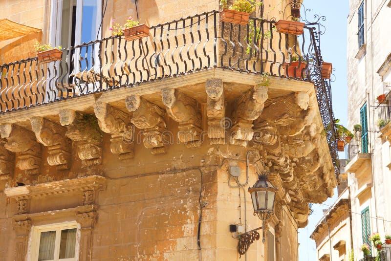 Lecce Apulia, Италия: старый дом, деталь стоковые фото