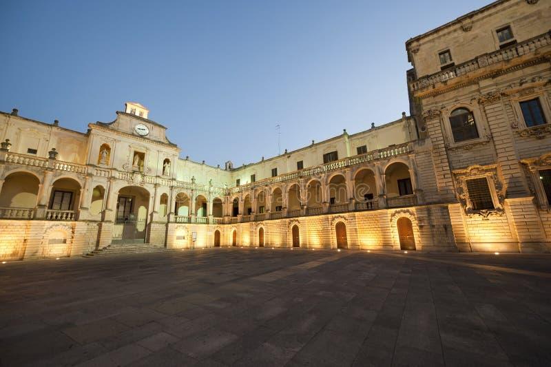 Lecce (Apulia, Italia): El cuadrado principal en la tarde fotos de archivo libres de regalías