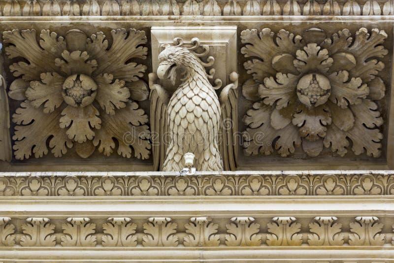 Lecce, detail barokke kerk van het Heilige Kruis stock fotografie