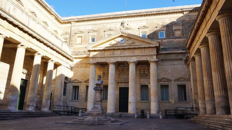 LECCE, ITALIA - 2 DE AGOSTO DE 2017: Ex Convitto Palmieri en la biblioteca de Bernardini en el cuadrado de Carducci, Lecce, Apuli fotografía de archivo