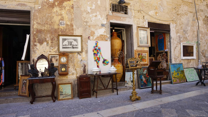 LECCE, ITALY - AUGUST 2, 2017: crafts souvenir store in old cozy street in Lecce, Italy. Architecture and landmark of Lecce, Italy stock image