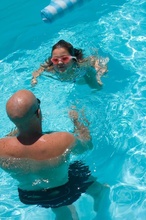 Lección de la nadada fotos de archivo libres de regalías