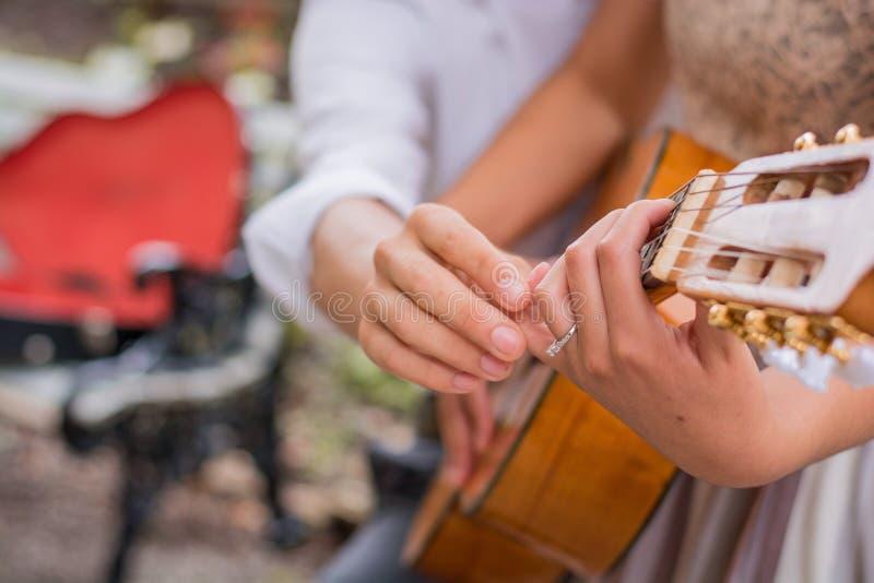 Lecciones de música foto de archivo libre de regalías