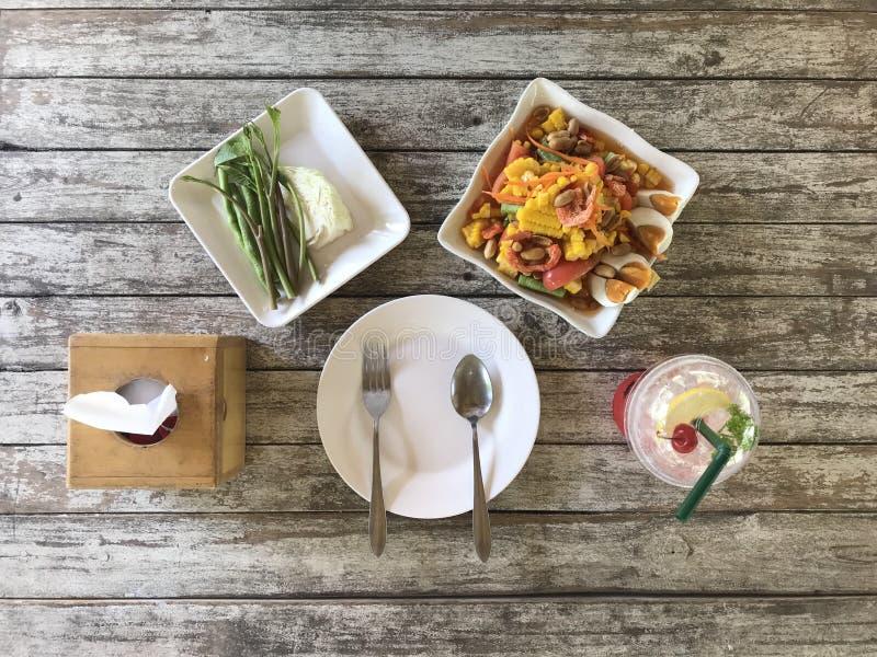 Lecker mit würzigem Salat des Mais lizenzfreies stockfoto