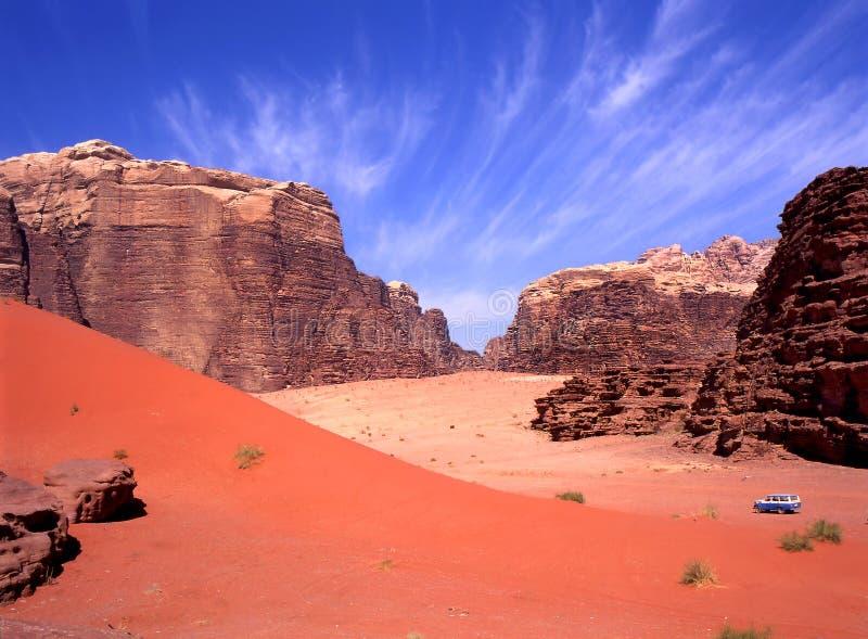 Lecteur à quatre roues en rhum de Wadi images stock