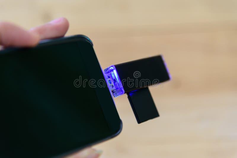 Lecteur de cartes d'USB pour le mobile photographie stock libre de droits