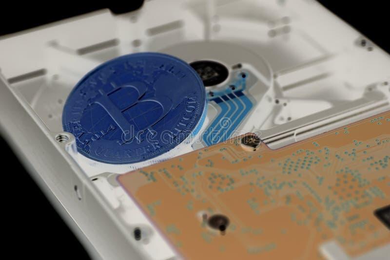 Lecteur de disque dur avec Bitcoin images libres de droits