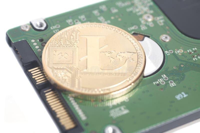 Lecteur de disque dur HDD d'ordinateur pour le carnet avec Litecoin photos stock