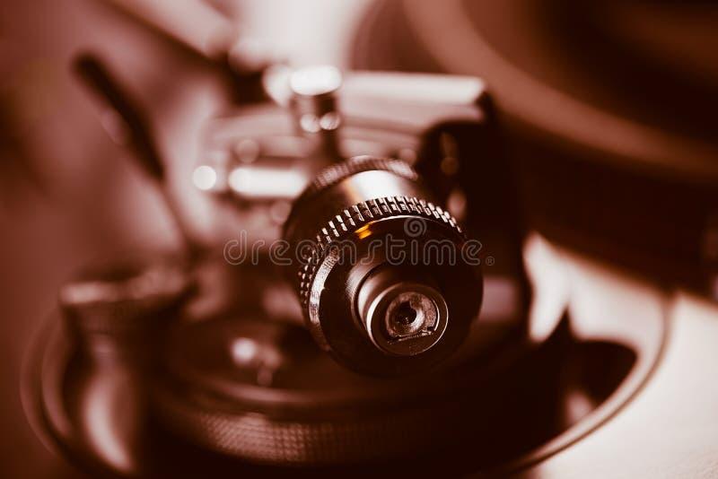 Lecteur de musique audio de disque vinyle de plaque tournante professionnelle photographie stock libre de droits